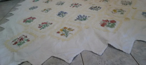 Double Size Victorian Cotton Quilt Set with Pillow Covers