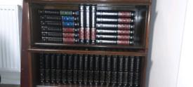 """Encyclopaedia Britannica """"Heirloom"""" Edition full 32 volumes plus 1 ex"""