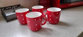 4 large Polka dot mugs