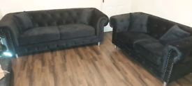 Top quality Chesterfield Velvet 3&2 Seater sofa set New free local del