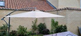 Free standing Garden Parasol 2.95 m diameter