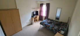 Double room/ Single room to let