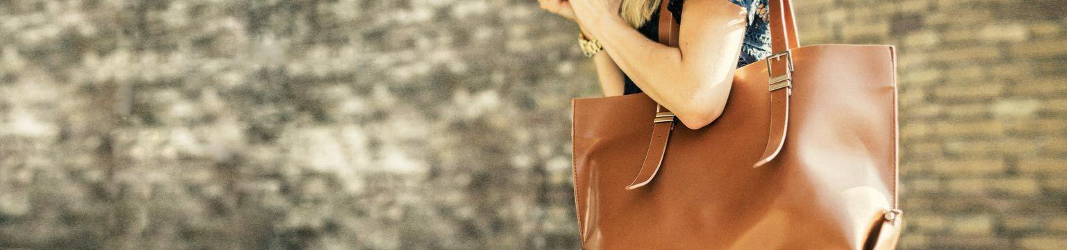 gebrauchte designer handtaschen in edlen styles ebay events. Black Bedroom Furniture Sets. Home Design Ideas