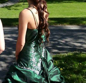 Prom dress 160 obo only worn once and for 6 hours.