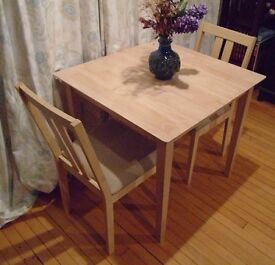 Julian Bowen Rufford Extending Dining Table Set with 2 Matching Chairs For Sale