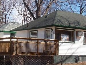 Wasaga Beach Cottages PRIME LOCATION! $325 for jn 15 to 17