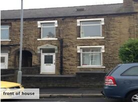 Huddersfield Newsome House / rooms to let