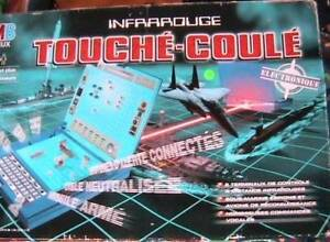 JEU BATTLESHIP INFRAROUGE TOUCHÉ-COULÉ ELECTRONIQUE MB