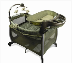 Parc Eddie Bauer Complete Care Play Yard, pack and play