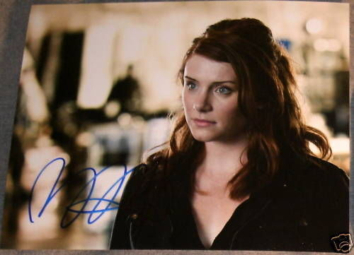 BRYCE DALLAS HOWARD AUTOGRAPH SIGNED TERMINATOR PHOTO B