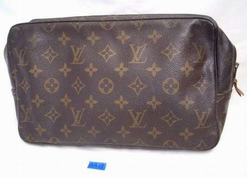 Louis Vuitton Case  3595319db70f3