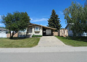 Park Avenue Home - Great Location in Melfort