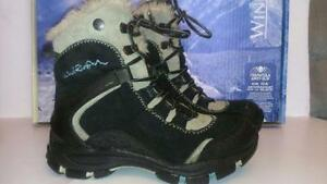 SIZE 7 WINDRIVER HD3 SNOW BOOTS 6 inch tall - 40 c Rated