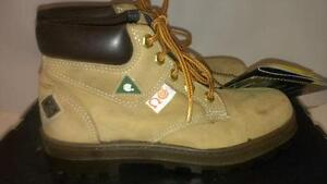 SIZE 4 CSA WOMAN'S 6 INCH Terra Boots Steel Toe Work Boots