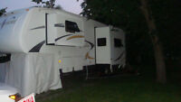 Fifth Wheel 2008, 31pi , 3 extension, 17500$