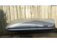 Evolution 100 Thule Roof Box in Silver. Capacity 50kg (110 lbs) with roof bar attachments