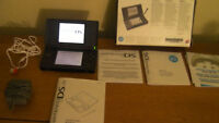 DS LITE WITH 28 Games