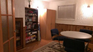 Walk to Brescia, Ivey and UWO; fully furnished, all inclusive