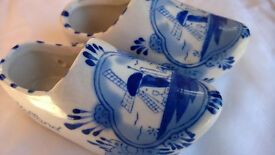 delft blue and white holland china clogs