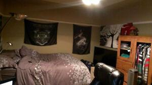 Grande chambre tout inclus dans maison à 2min de l'université