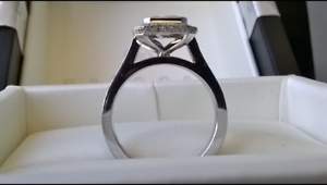 18 CARAT WHITE GOLD LADIES DIAMOND SET ENGAGEMENT GREGORY RING