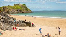 Need Travel buddy Tour partner UK Trips England abroad Sea Rivers fun Sandy Beach Hills Sunshine JOY