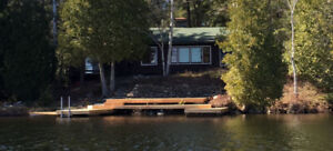 Charming Muskoka Lakefront cottage near Huntsville