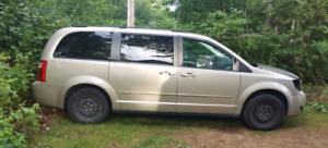 2009 Dodge Grand Caravan - body parts