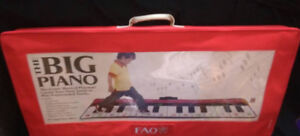 FAO Schwarz Piano Dance Mat Brand NewStep to your own tune on