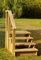 Wooden stairs for trailer