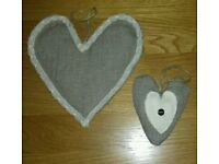 Pair of Gorgeous Hanging Hearts Shabby Chic / Vintage Style (New)