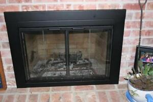 New - Pleasant Hearth AT-1000 Ascot Fireplace Glass,Black, Small
