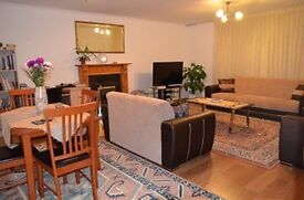 2 bedroom flat in Lucerne Close, Palmers Green