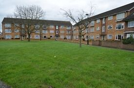 2 bedroom flat in Cunningham Avenue, Enfield