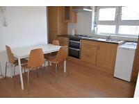 3 bedroom flat in Woodman Sreet, East Woolwich