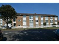 1 bedroom flat in Mintern Close, Palmers Green