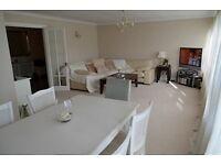 2 bedroom flat in Fox Grove, Southgate
