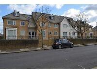 2 bedroom flat in Sporton Ct, Enfield