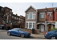 5 bedroom house in Tottenhall Road, Palmers Green