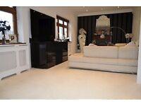 3 bedroom flat in Park Avenue, Bush Hill Park
