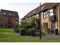 1 bedroom flat in Pilgrims Close, Palmers Green
