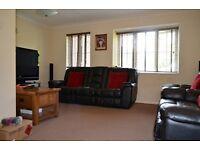 2 bedroom flat in Waverley Road, Enfield