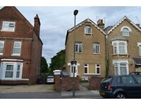 2 bedroom flat in Beaconsfield Road, Bounds Green