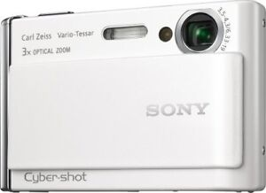 SONY camera CarlZeiss DCS-T70 FULL HD cybershot 8 mp ZOOM 3X 149