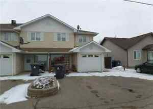 ***  Warman Condo - Newly Renovated - Great Price  $199,997  ***