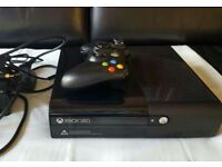 2x Xbox 360 s 10+ games 2 scuff pads