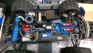 Traxxas revo 3.3 spektrum DX3R DM2