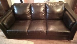 Black leather couch (THE BRICK)