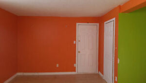 Bright, Sunny 2bdrm apt - avail now - $839 incl utilities