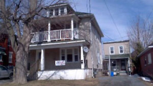 OPEN HOUSE 21MAY 130-3pm! 2 Bdr for Rent within sight of College